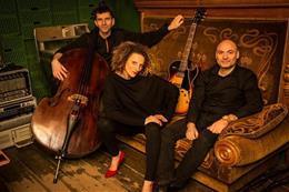 Petra Ernyeiová Trio - Náhled